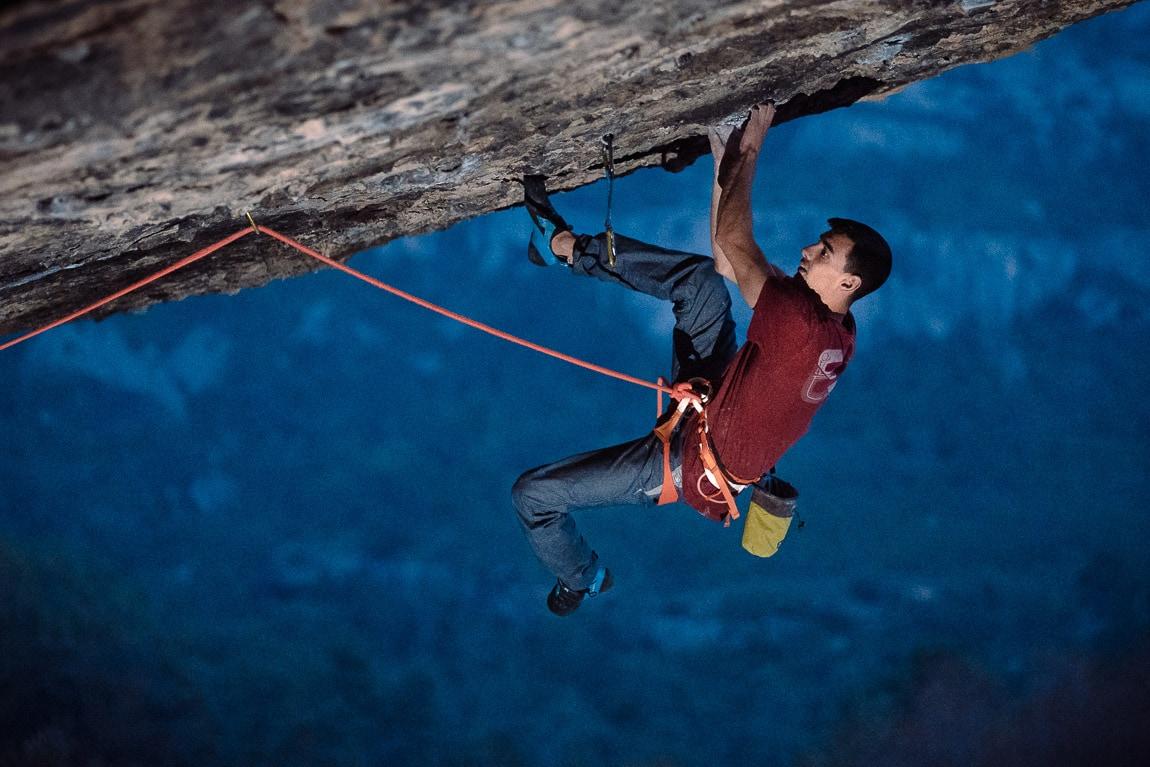 El escalador Madrileño en Darwin Dixit 8c de Margalef